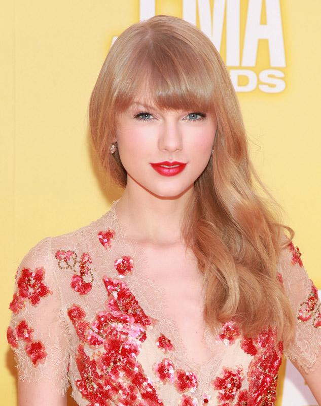Taylor Swift 46th Annual CMA Awards - Arrivals