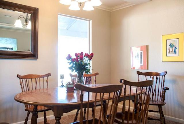 <p>There's a dining area for you and your fellow guests. (Airbnb) </p>