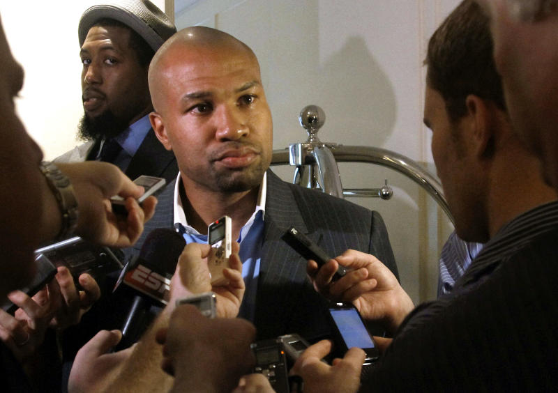 Los Angeles Lakers basketball player Derek Fisher holds a press briefing following a meeting between team owners and the NBA players union on Tuesday, June 21, 2011 in New York  (AP Photo/Bebeto Matthews)