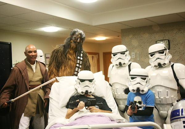 Disney shows the New Star Wars film early to Rowans Hospice Patient