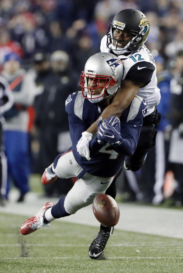 <p>New England Patriots cornerback Stephon Gilmore (24) breaks up a pass intended for Jacksonville Jaguars wide receiver Dede Westbrook (12) during the second half of the AFC championship NFL football game, Sunday, Jan. 21, 2018, in Foxborough, Mass. (AP Photo/Winslow Townson) </p>