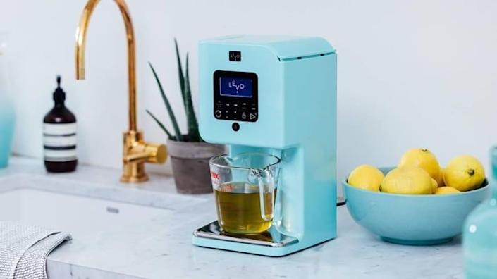 For the culinary adventurer: Levo II oil infuser