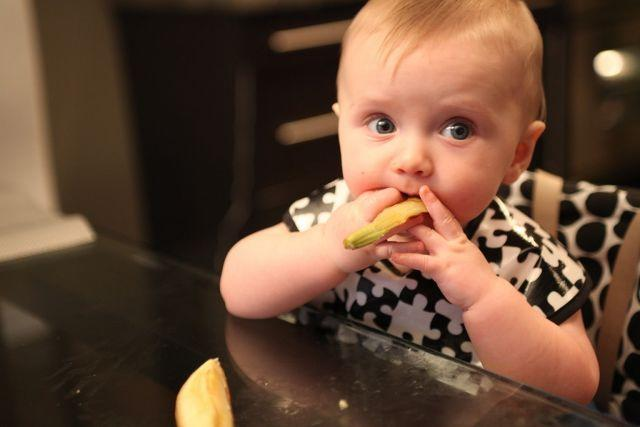 A Guide On Starting Solid Food For Babies