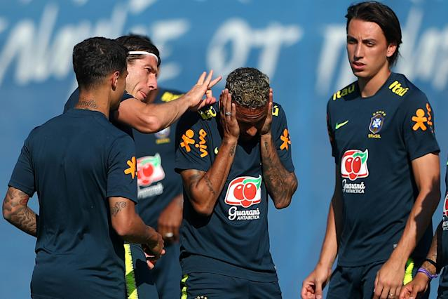 Soccer Football - World Cup - Brazil Training - Brazil Training Camp, Sochi, Russia - June 24, 2018 Brazil's Neymar, Brazil's Filipe Luis and team mates during training REUTERS/Hannah McKay