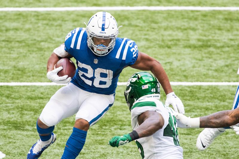 WATCH: Jonathan Taylor scores TD to give Colts 24-7 lead
