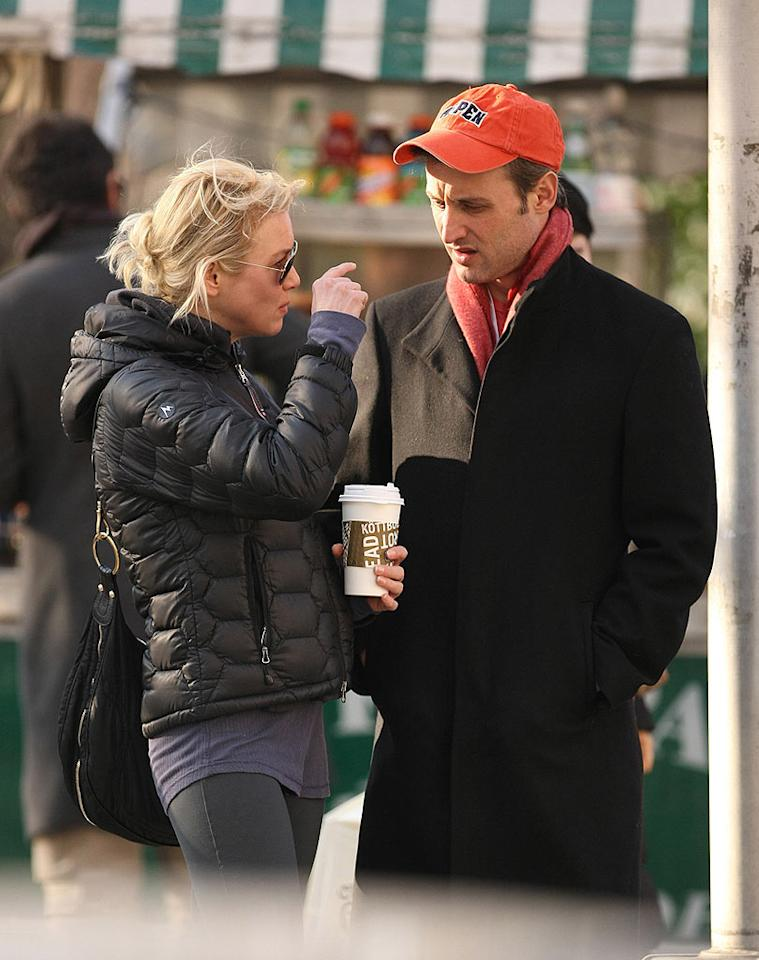 """Renee Zellweger stepped out early last week with new beau Dan Abrams. Abrams is the chief legal correspondent for NBC News and MSNBC. <a href=""""http://www.infdaily.com"""" target=""""new"""">INFDaily.com</a> - February 8, 2009"""