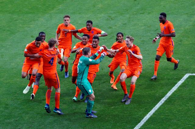 Soccer Football - UEFA European Under-17 Championship Final - Italy vs Netherlands - AESSEAL New York Stadium, Rotherham, Britain - May 20, 2018 Netherlands players celebrate winning the penalty shootout Action Images via Reuters/Carl Recine