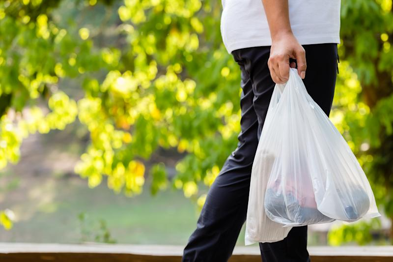 woolworths ban plastic bags
