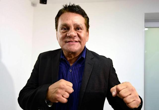 Former professional boxer Roberto Duran poses during an interview with AFP in Mexico City in October 2016 (AFP Photo/ALFREDO ESTRELLA)