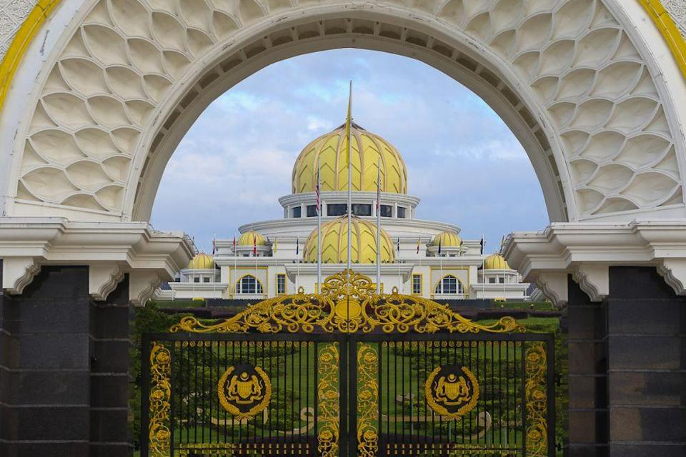 MPs from parties aligned to Perikatan Nasional have been summoned by the Yang di-Pertuan Agong to the Istana Negara tomorrow. — Picture by Yusof Mat Isa