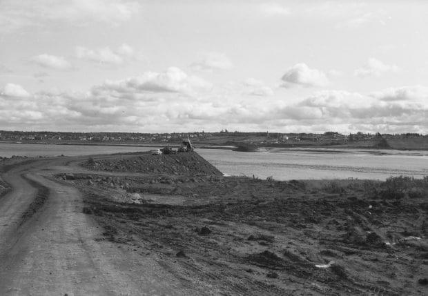 Construction of the Petitcodiac River causeway underway on Oct. 6, 1966.