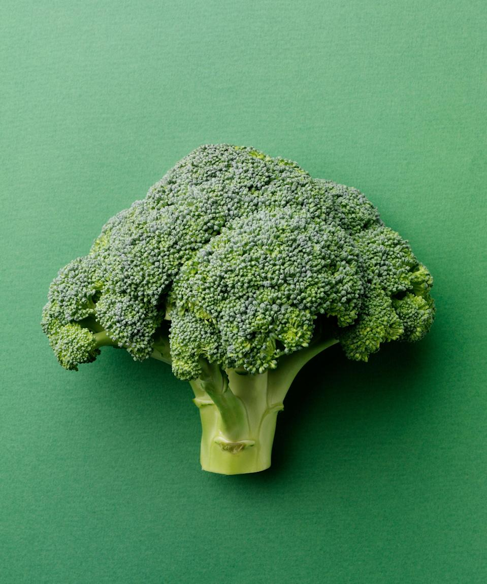 "<h3>Broccoli</h3><br>Here's a surprise: Fiber-rich broccoli contains more than twice as much vitamin C as citrus fruits — 132 mg in normal-size serving, compared to the 70 mg that's found in a medium orange.<span class=""copyright"">Photo: Getty Images.</span>"