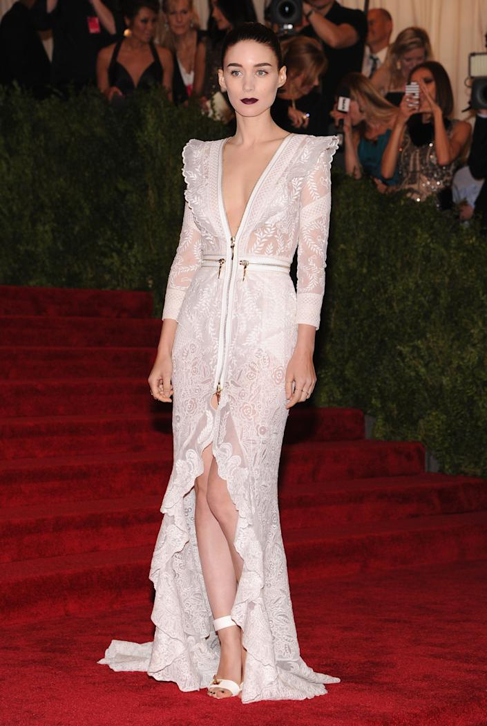 rooney mara wearing a white low cut gown at the met gala in 2013