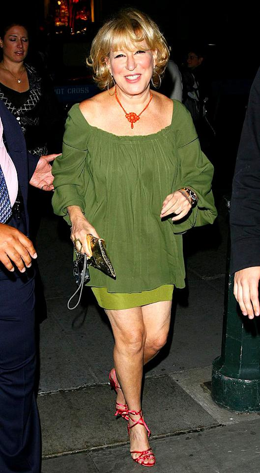 "For 62, Bette Midler certainly has herself a pair of gorgeous gams! Juan Soliz/<a href=""http://www.pacificcoastnews.com/"" target=""new"">PacificCoastNews.com</a> - September 11, 2008"