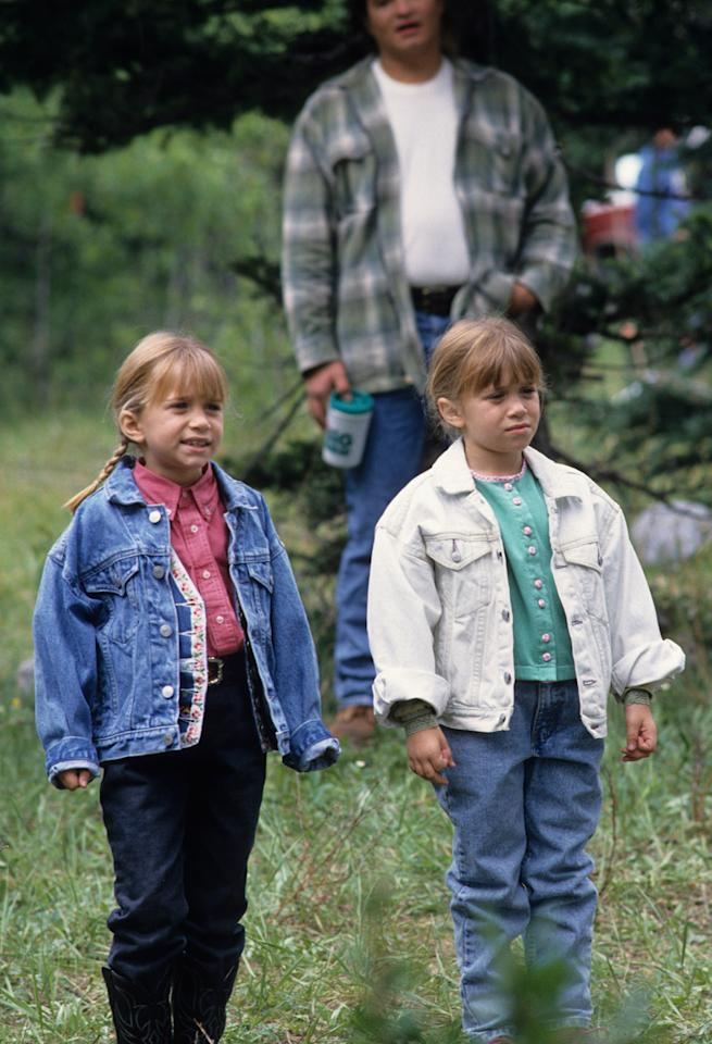 <p>In the 1994 movie 'How the West Was Fun' they coordinated in cowgirl country chic. (Photo: Getty Images) </p>