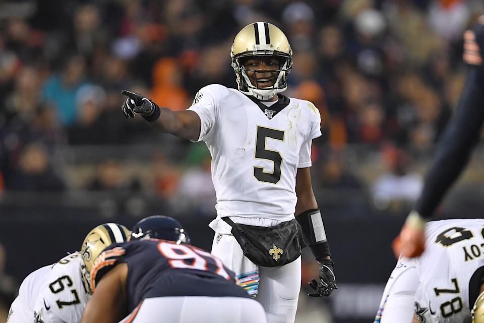 CHICAGO, IL - OCTOBER 20: New Orleans Saints quarterback Teddy Bridgewater (5) points down field in game action during a game between the Chicago Bears and the New Orleans Saints on October 20, 2019 at Soldier Field in Chicago, IL. (Photo by Robin Alam/Icon Sportswire via Getty Images)