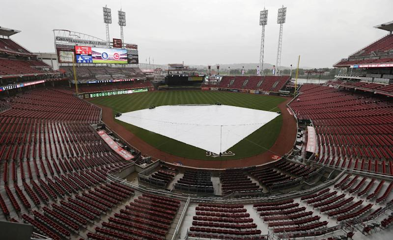 Padres-Reds game postponed because of rain