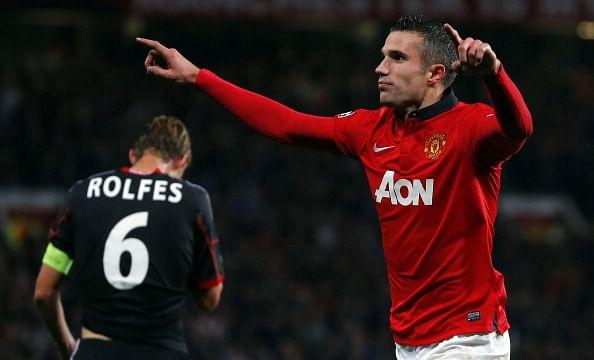 Van Persie in action for Manchester United against Bayer Leverkusen