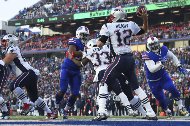 Patriots quarterback Tom Brady has 26 touchdowns passes this season, which is tied for Russell Wilson for second most in the league. (AP)