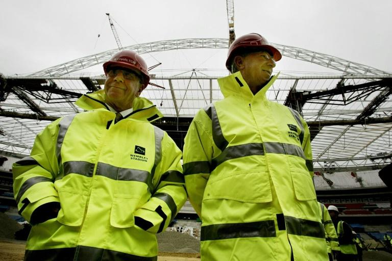 Jack Charlton (right) with his brother Bobby inspecting the new Wembley in 2006