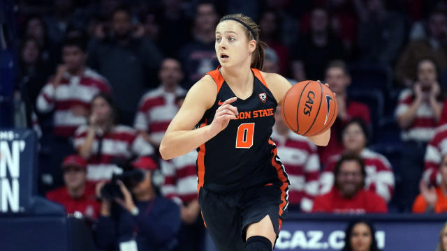 Oregon State guard Mikayla Pivec (0) during the first half of an NCAA college basketball game against Arizona Friday Jan. 10, 2020, in Tucson, Ariz. (AP Photo/Rick Scuteri)
