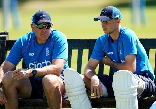 Chris Silverwood (left) and Joe Root (right) have a decision to make over Robinson's return.
