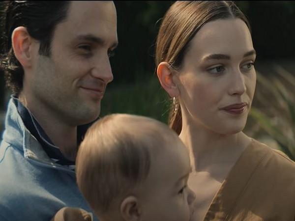 Penn Badgley, Victoria Pedretti in a still from the trailer (Image source: YouTube)