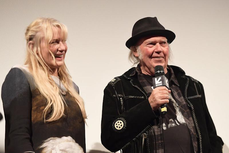 Neil Young, Daryl Hannah Maybe Got Hitched