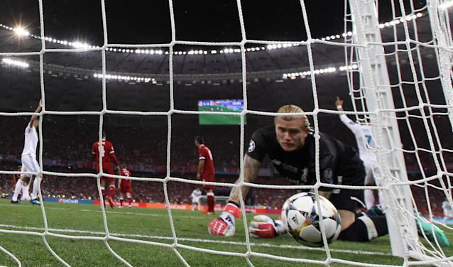 Soccer Football - Champions League Final - Real Madrid v Liverpool - NSC Olympic Stadium, Kiev, Ukraine - May 26, 2018 Liverpool's Loris Karius looks dejected after conceding their second goal REUTERS/Hannah McKay