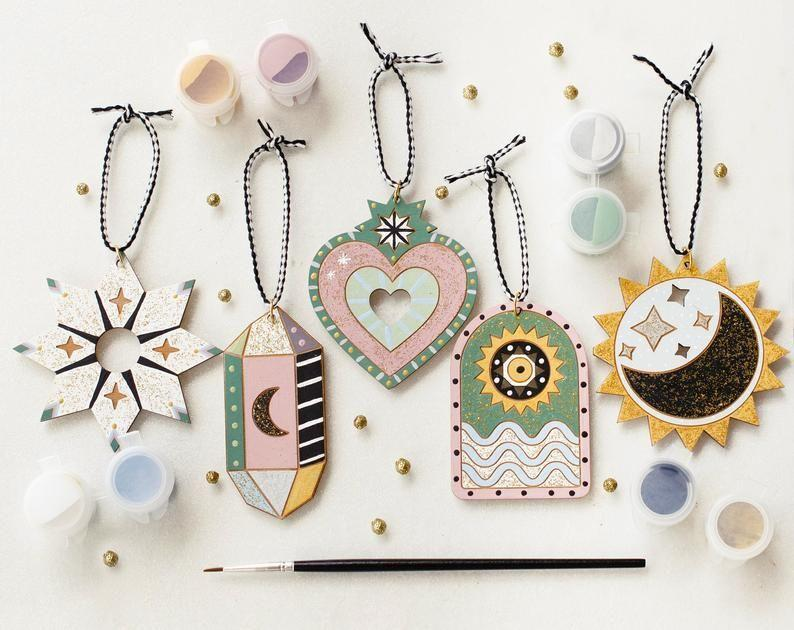 """<p><strong>JillMakes</strong></p><p>etsy.com</p><p><strong>$38.00</strong></p><p><a href=""""https://go.redirectingat.com?id=74968X1596630&url=https%3A%2F%2Fwww.etsy.com%2Flisting%2F871365781%2Fdiy-christmas-kit-ornament-painting-kit&sref=https%3A%2F%2Fwww.housebeautiful.com%2Flifestyle%2Fg34645272%2Fetsy-jump-start-holiday-sale%2F"""" rel=""""nofollow noopener"""" target=""""_blank"""" data-ylk=""""slk:BUY NOW"""" class=""""link rapid-noclick-resp"""">BUY NOW</a></p><p><strong><del>$38 </del>$30.40 (20% off)</strong></p><p>This kit from Jill Makes is the gift that keeps on giving—literally. Not only can your recipient partake in a fun DIY, but they can enjoy the final product long after the paint has dried.</p>"""