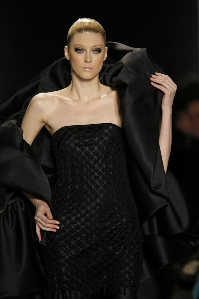 Anastassia Khozzisova wearing Chado Ralph Rucci Ready-To-Wear Fall 2007 (Photo by Biasion Studio/WireImage)