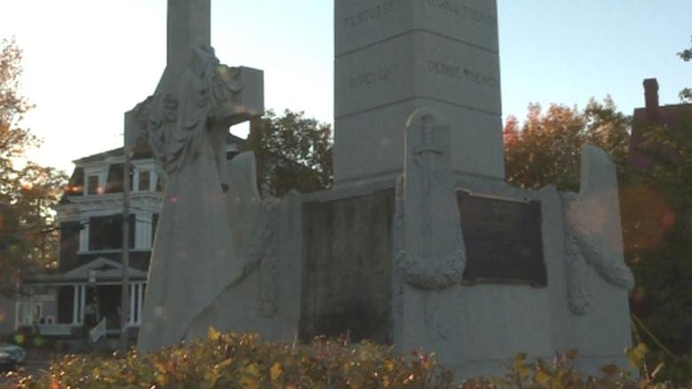 Cenotaph plaques will be replaced by Remembrance Day