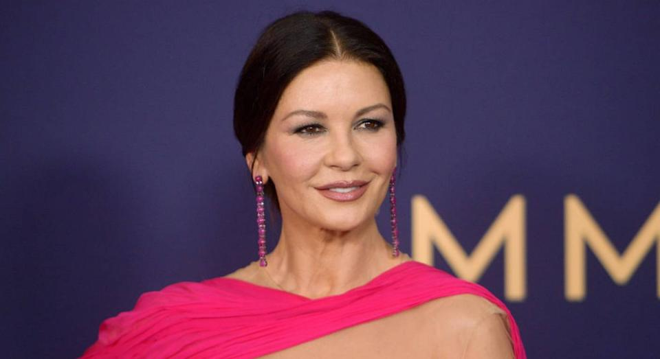 Catherine Zeta Jones reveals her best reads to pass the time. (Getty Images)
