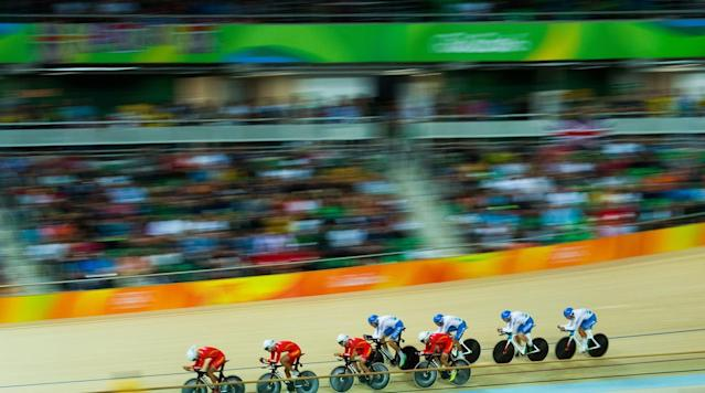 <p>Team China and Team Italy in action during the Men's Team Pursuit Round 1 Heat 2 at the Rio Olympic Velodrome in Rio de Janeiro, Brazil.</p>