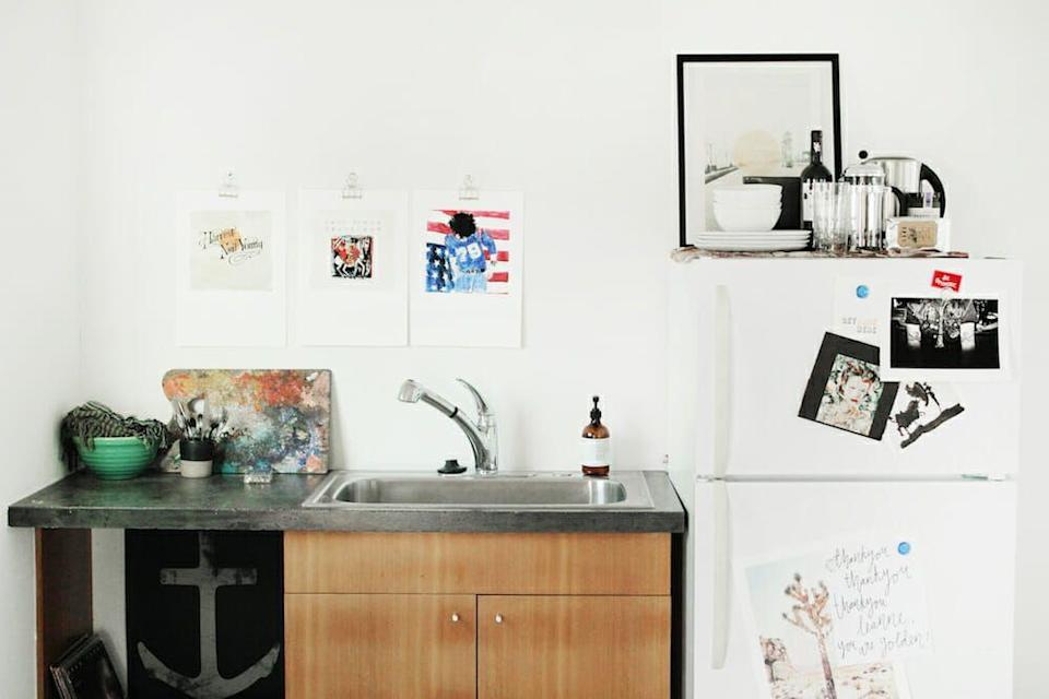 """<p>Doing arts and crafts can get messy. In fact, that's the only guarantee. So if you work with a lot of paints and pretty much any tool with pigment, you'll need a durable stainless sink. This stainless steel one with plenty of depth in a space by <a href=""""https://leanneford.com/"""" rel=""""nofollow noopener"""" target=""""_blank"""" data-ylk=""""slk:Leanne Ford Interiors"""" class=""""link rapid-noclick-resp"""">Leanne Ford Interiors</a> is the perfect example. </p>"""