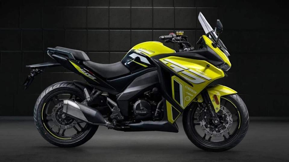 Zongshen Cyclone RG3, with a 401cc engine, revealed in China