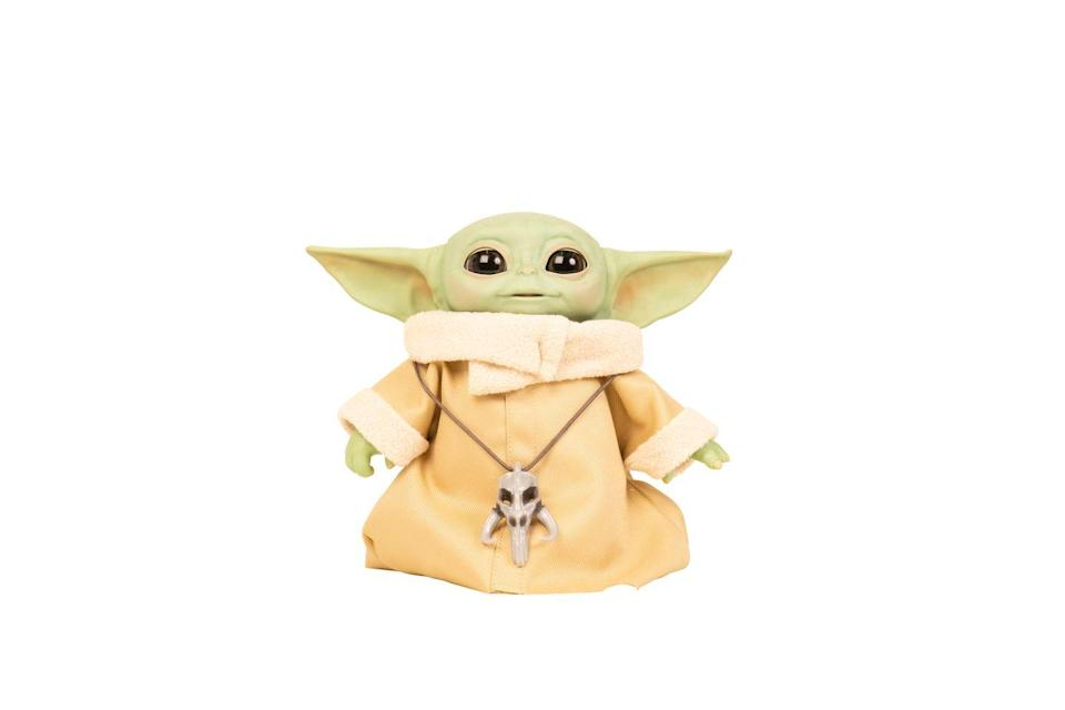 """<p>Baby Yoda features series-inspired sounds and motorised movements, including a head that moves up and down, ears that move back and forth, eyes that open and close, and more. </p><p>• This will be available to buy on Argos from October 2020.</p><p><a class=""""link rapid-noclick-resp"""" href=""""https://www.amazon.co.uk/Star-Wars-Animatronic-Combinations-Mandalorian/dp/B084PTVQLZ?tag=hearstuk-yahoo-21&ascsubtag=%5Bartid%7C2060.g.33533336%5Bsrc%7Cyahoo-uk"""" rel=""""nofollow noopener"""" target=""""_blank"""" data-ylk=""""slk:PRE-ORDER VIA AMAZON"""">PRE-ORDER VIA AMAZON</a> </p>"""
