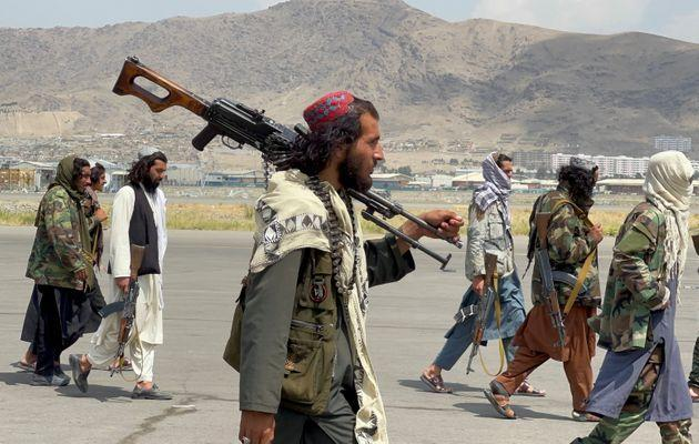 <strong>Taliban forces patrol at a runway a day after US troops withdraw from Hamid Karzai International Airport in Kabul.</strong> (Photo: Stringer . via Reuters)