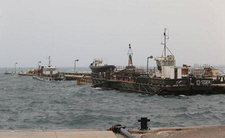 View shows the oil port of Es Sider