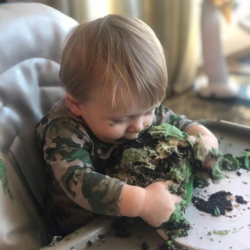 Carrie Underwood's son Jacob smashes his birthday cake