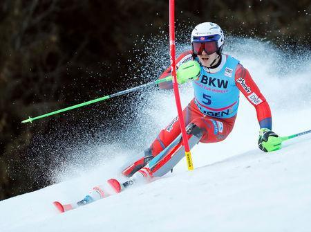 Alpine Skiing - FIS Alpine Skiing World Cup - Men's Slalom - Wengen, Switzerland - January 14, 2018 - Henrik Kristoffersen of Norway in action. Picture taken January 14, 2018. REUTERS/Denis Balibouse