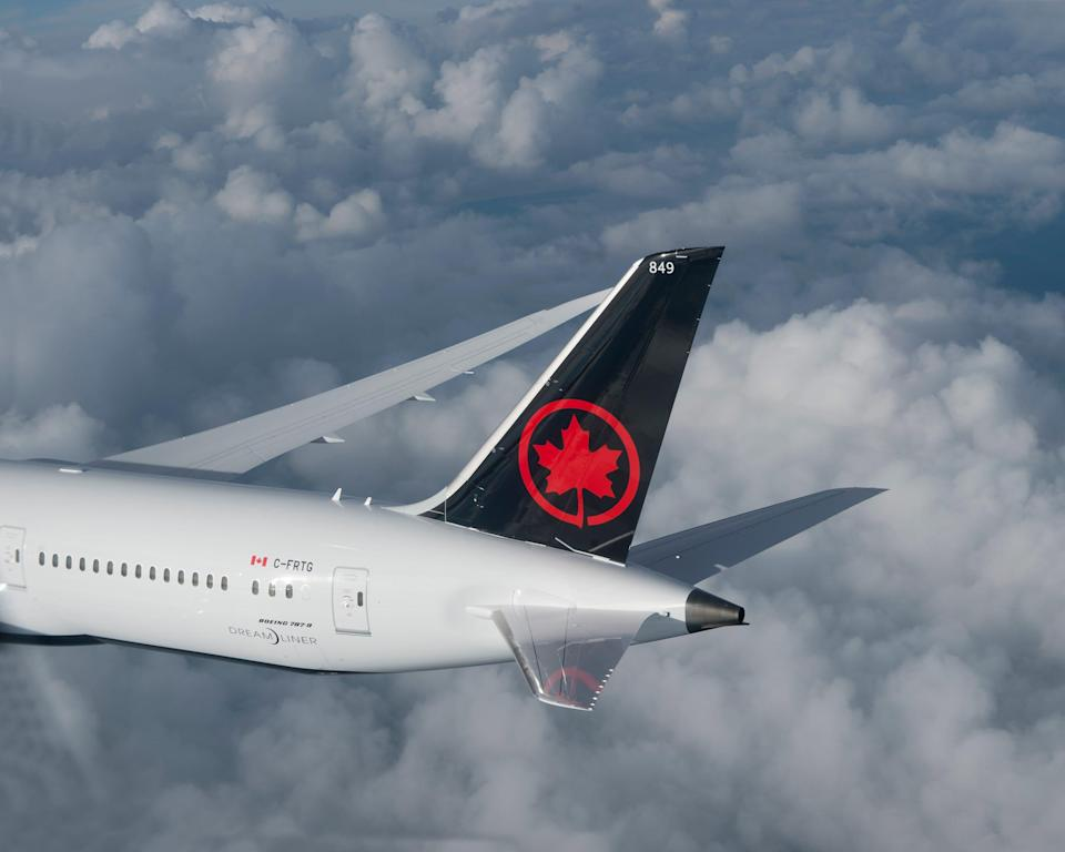 Air Canada announced a summer trans-border schedule with up to 220 daily flights between the USA and Canada as of Aug. 9.