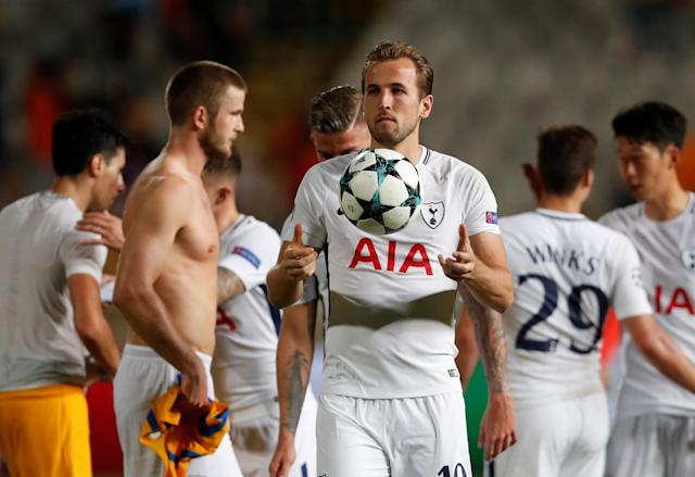 Soccer Football – Champions League – Apoel Nicosia vs Tottenham Hotspur – GSP Stadium, Nicosia, Cyprus – September 26, 2017 Tottenham's Harry Kane celebrates with the matchball after the match Action Images via Reuters/Matthew Childs
