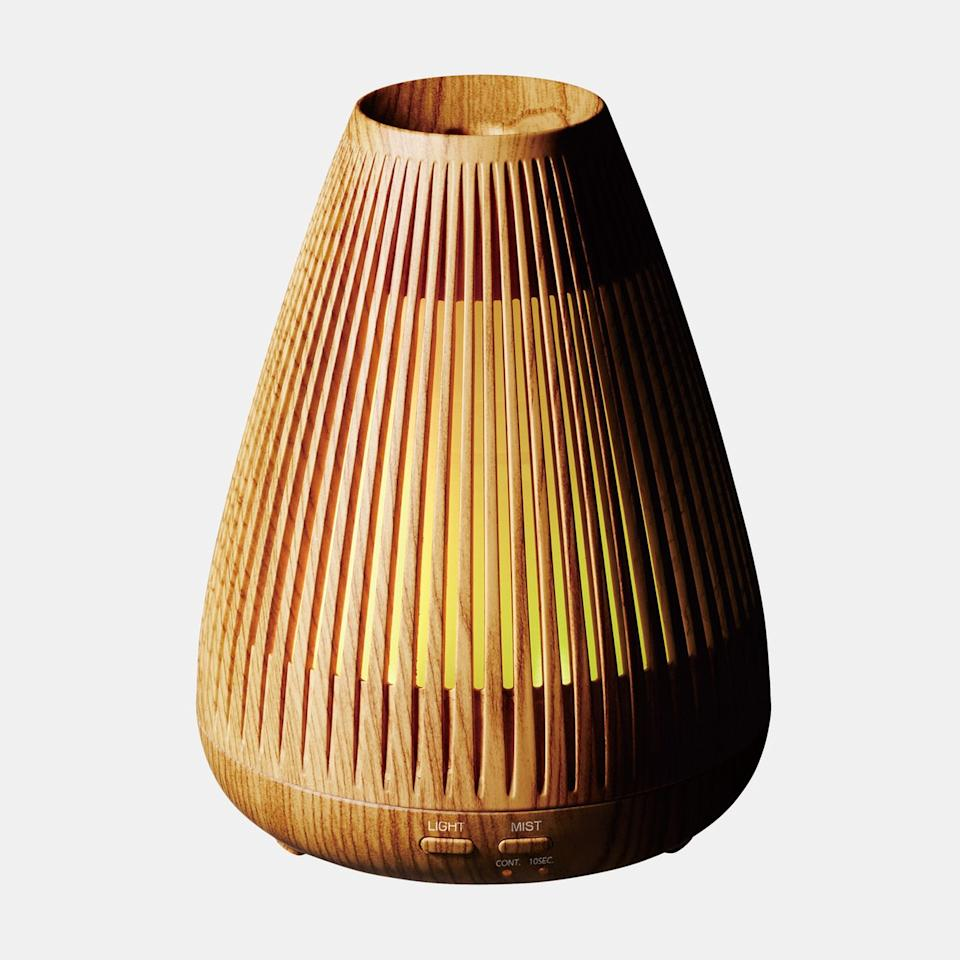 "<p>At <em>Allure</em>, we're very particular about our essential oil diffusers. We like this one from Objecto, a New York City-based lifestyle brand, because of its automatic shut-off protection, whisper-quiet mist, and soothing LED light. The best part, however, might be the sleek design — which looks like it could belong in a museum.</p> <p><strong>$70</strong> (<a href=""http://www.anrdoezrs.net/links/8984085/type/dlg/sid/allureverishoplastminutegifts/https://www.verishop.com/objecto/diffuser/w2-aroma-diffuser/p4164272848919?variant_id=30267203190807"" rel=""nofollow"">Shop Now</a>)</p>"