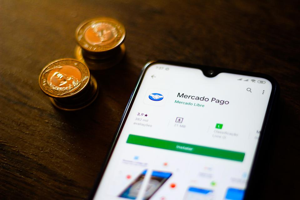 BRAZIL - 2019/12/30: In this photo illustration the MercadoPago logo and app is seen displayed on a smartphone. (Photo Illustration by Rafael Henrique/SOPA Images/LightRocket via Getty Images)