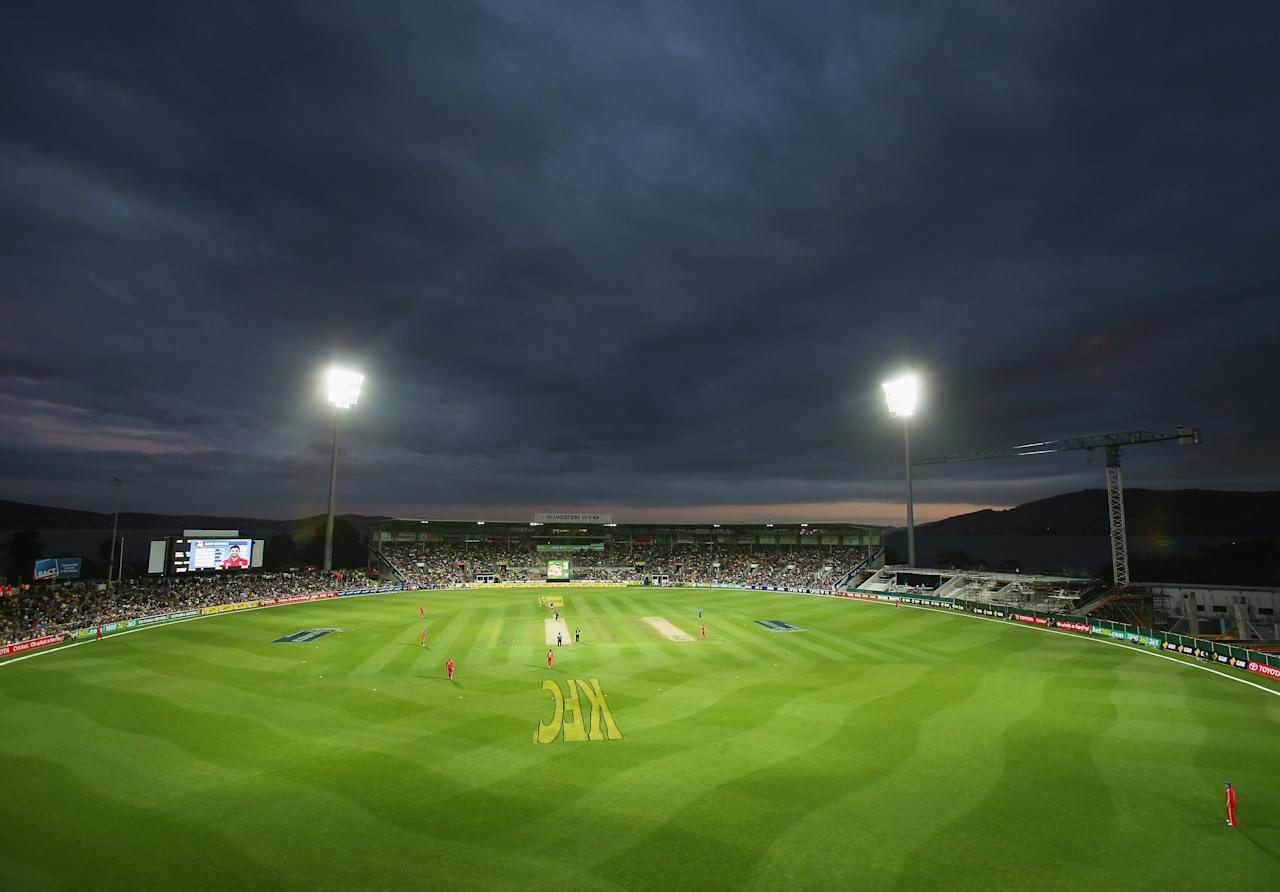 HOBART, AUSTRALIA - JANUARY 29:  A general view during game one of the International Twenty20 series between Australia and England at Blundstone Arena on January 29, 2014 in Hobart, Australia.  (Photo by Scott Barbour/Getty Images)