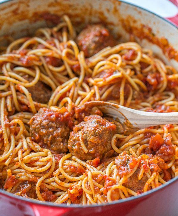 "<strong>Get the&nbsp;<a href=""http://natashaskitchen.com/2015/01/13/spaghetti-and-meatballs-recipe/"">Classic Spaghetti And Meatballs recipe</a>&nbsp;from Natasha's Kitchen</strong>"