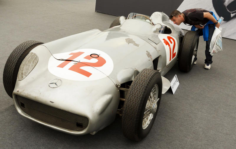 Fangio's F1 Mercedes fetches $29.6M at UK auction