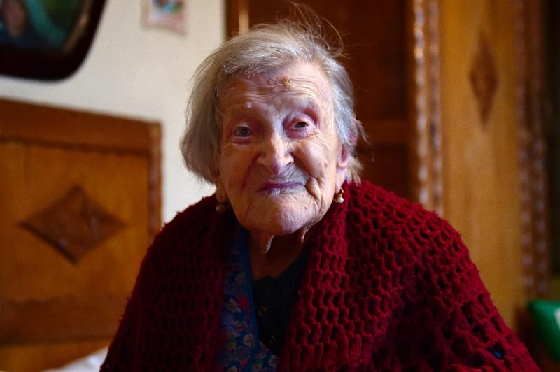 Emma Morano, then 116, poses for AFP photographer in Verbania, North Italy, on May 14, 2016 (AFP Photo/OLIVIER MORIN)