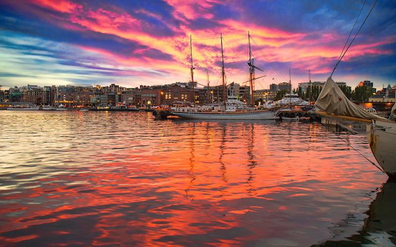 Oslo harbour at sunset - Jens_Lambert_Photography